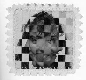 "Lourdes Grobet, ""Textil Fotográfico"", 1984. Plata sobre gelatina e hilo crochet, 20 x 20cm. (Objetos)"